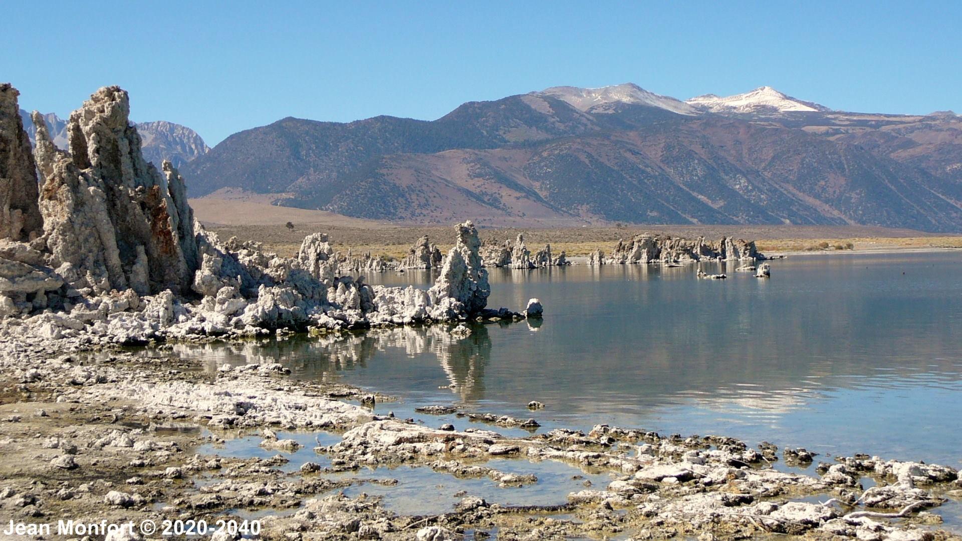 USA_Mono-Lake